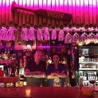 Dan'ton-Ku Tiki bar