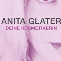 Kosmetikerin und Massage Therapeutin Anita Glater