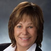 Sue Steele, Re/Max Hometown Realty Inc.