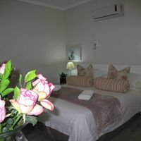 Wagon Wheel Country Lodge - Beaufort West