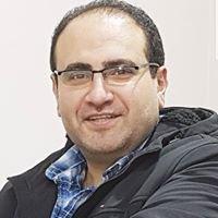 دكتور احمد صلاح استشاري جراحة التجميل بمصر مركز افارا لجراحة التجميل