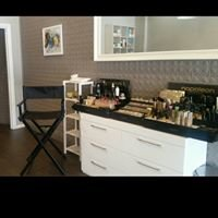 Nhill's Pure Induglence Beauty Therapy