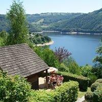 Camping la Source Lac de Sarrans Aveyron
