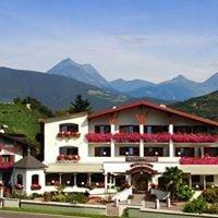 Hotel Clara***