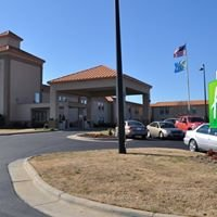 Holiday Inn Express & Suites Roanoke Rapids, NC 27870