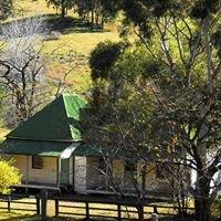 Moonan cottage