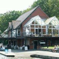 Lakeside Cafe & Bistro