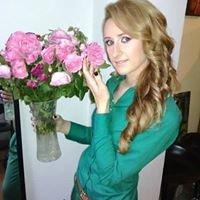 Hairstylist Nicoleta Leon