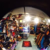 Hobbit Snowboard Shop