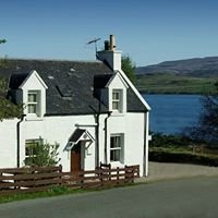 Isle of Skye, Keeper's Cottage, Skeabost Bridge, Portree