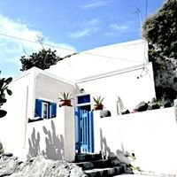 Traditional Bioclimatic Cave House - Santorini Island