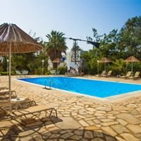 Home-Hotel Pool Bar