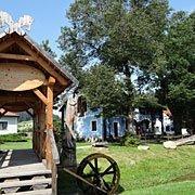 Dorfmuseum Roiten von Friedensreich Hundertwasser