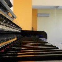 MT Vocal and Creative Singing Studio