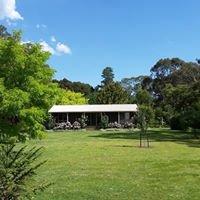 Camawald Cottage & Studio B&Bs