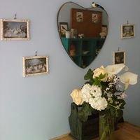 Sweetpea Flowers and Vintage