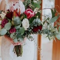 Staging weddings- Florists real & artificial / staging/ DIY flower sales