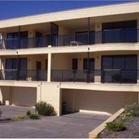 The Lighthouse - Port Hughes Beachfront Accommodation
