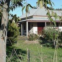Bethany Cottages & Von Habe Nix Estate Wines