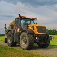 Traktory a Kombajny