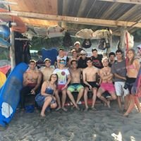 escuela de surf aguaviva
