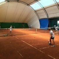 Wynajem kortów tenisowych szkoła tenisa 48 w Gdańsku