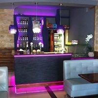 Pub Amader - Bronek