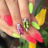 Nails by Karolina Rozum