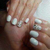 Ewelina Kozak- Instruktor paznokci, makijaż permanentny