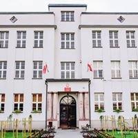 Dąbrowska / Powiatowy Zespół Nr 9 Szkół im. Dąbrowskiej w Kętach