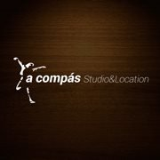 a compás Studio & Location