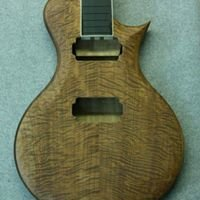 Luthier guitare 32