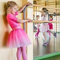 Zajęcia baletowe. Ośrodek Kultury w Wieliszewie