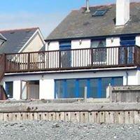 Beach House in Borth