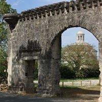 Abbaye & Pigeonnier de Montierneuf