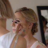 Debby Esperson Makeup