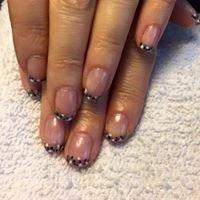 Iris' Timeless Nails