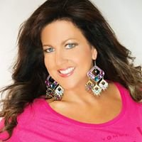 Laura Smith Queenpin Coaching and Lifestyle Development