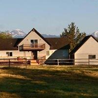 Bend Oregon Horse and Dog Motel.