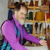 Snail Trail Weaving Spinning & Dyeing courses + B&B in Pembrokeshire