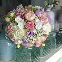 Blütenzauber, Blumen und Ballons