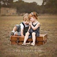Julie Lynne & Co • Photographers