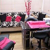 Pinkeez Nail & Beauty Room