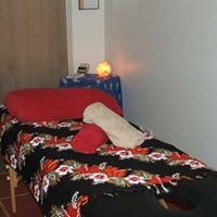 Natural Hands Massage and Oracle Readings