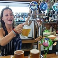 The Whistling Frog Cafe & Mclean Falls Resort