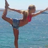 Hot Yoga with Penny Itzkovits