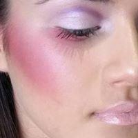 NORA Makeup Artist