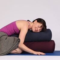 Kat's Victoria Health Clinic offering Massage, Yoga, Nutrition and Reiki