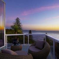Whale Beach Villa - Contemporary Hotels