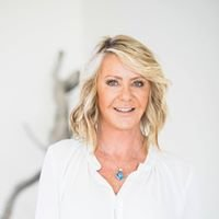 Lorri Walker-  Psychic,  Medium,  Healer